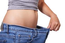 плоский живот в джинсах не по размеру